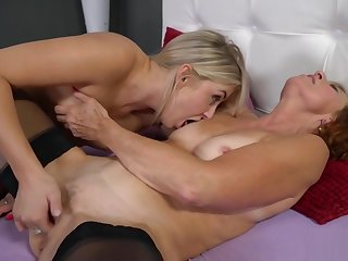 Lotty Blue and Cayla Lyons in Lesbian Sex Act