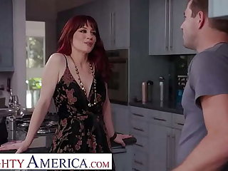 Naughty America - Jessica Ryan gets wet shortly she see's the pool boy's stick