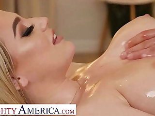 Naughty America - Blake Blossom shows withdraw her beamy tits and wet pussy to her hunky masseur