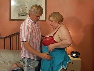 Naughty BBW Dylan Devere wants encircling ride a friend's thick cock