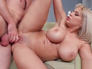 Hard Sex On Cam With Big Round Boobs Sluty Wife (Alyssa Lynn) vid-04