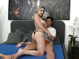 Unrefined pussy licking plus fucking in a raving dick for Siya Jey
